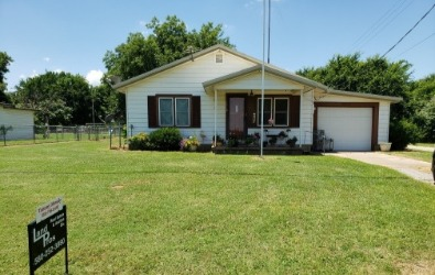 Under Contract! 1310 Nth Meridian Waurika Ok